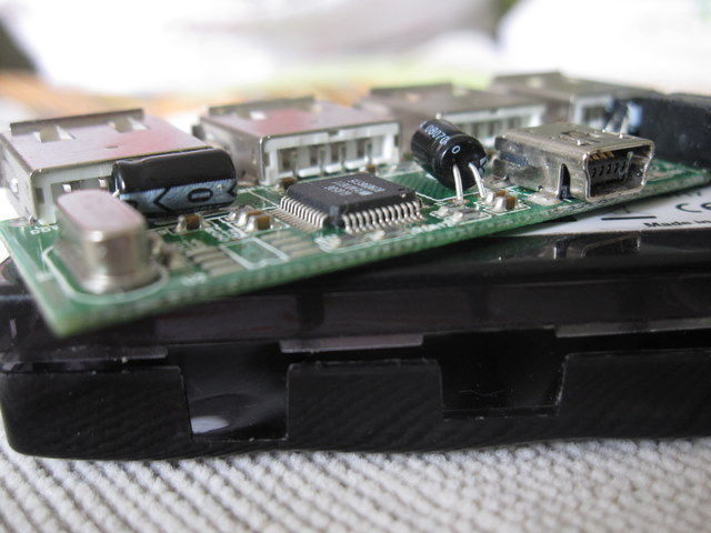 贝尔金F5U404-BLK 4口USB hub线路板和外壳